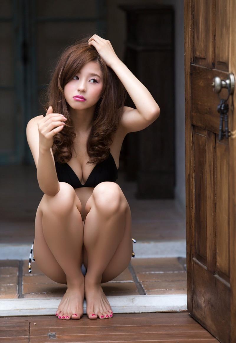 【朝比奈彩エロ画像】高身長ボディでビキニ姿が綺麗に映えるファッションモデルのグラビア! 33