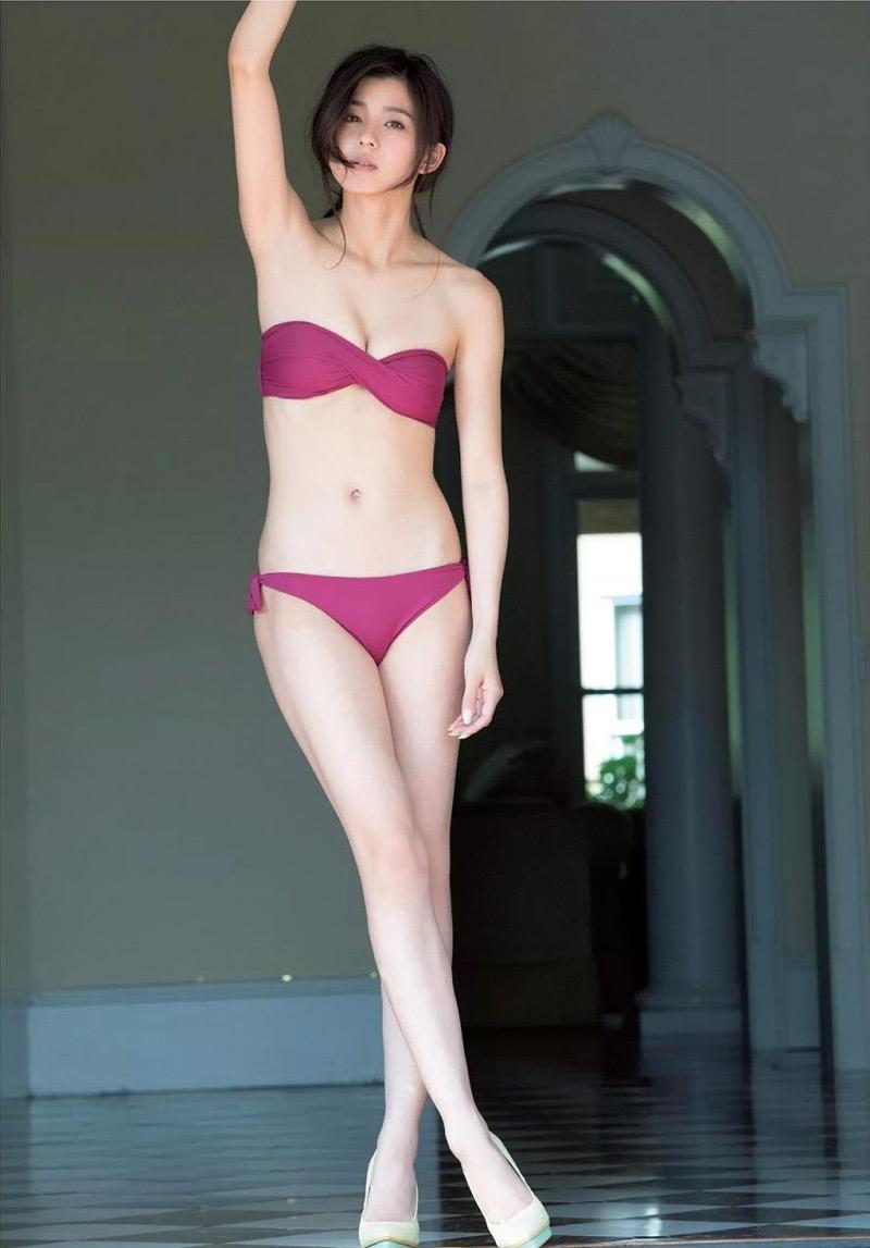 【朝比奈彩エロ画像】高身長ボディでビキニ姿が綺麗に映えるファッションモデルのグラビア! 35