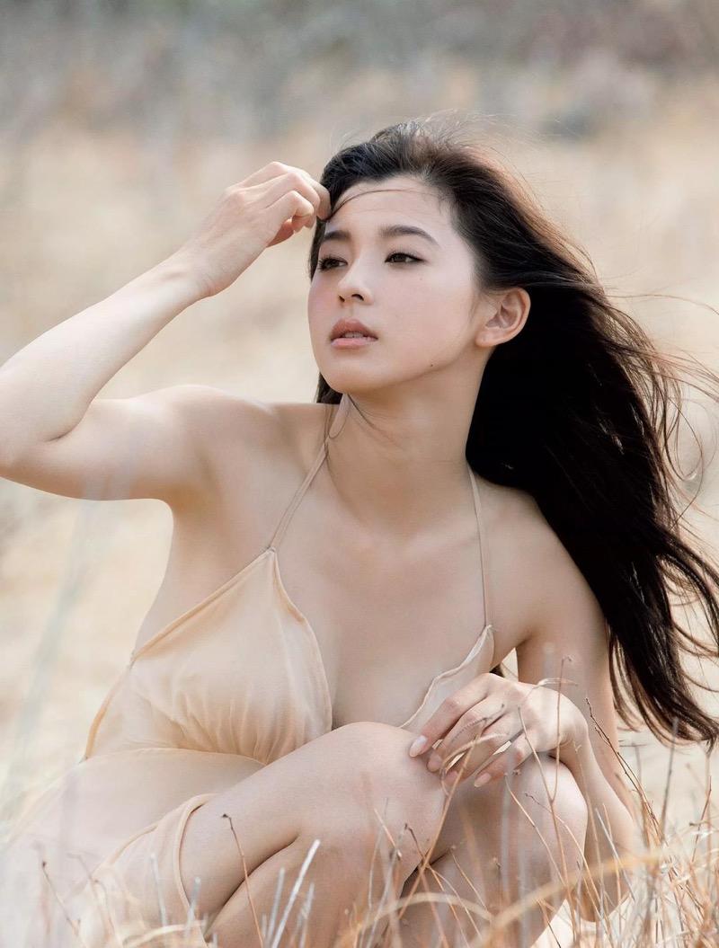 【朝比奈彩エロ画像】高身長ボディでビキニ姿が綺麗に映えるファッションモデルのグラビア! 66