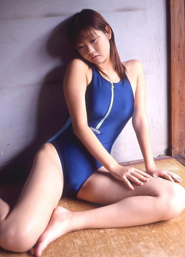 【吉田亜咲グラビア画像】現役女子高生としてデビューした長身エロボディのグラビアアイドル 66