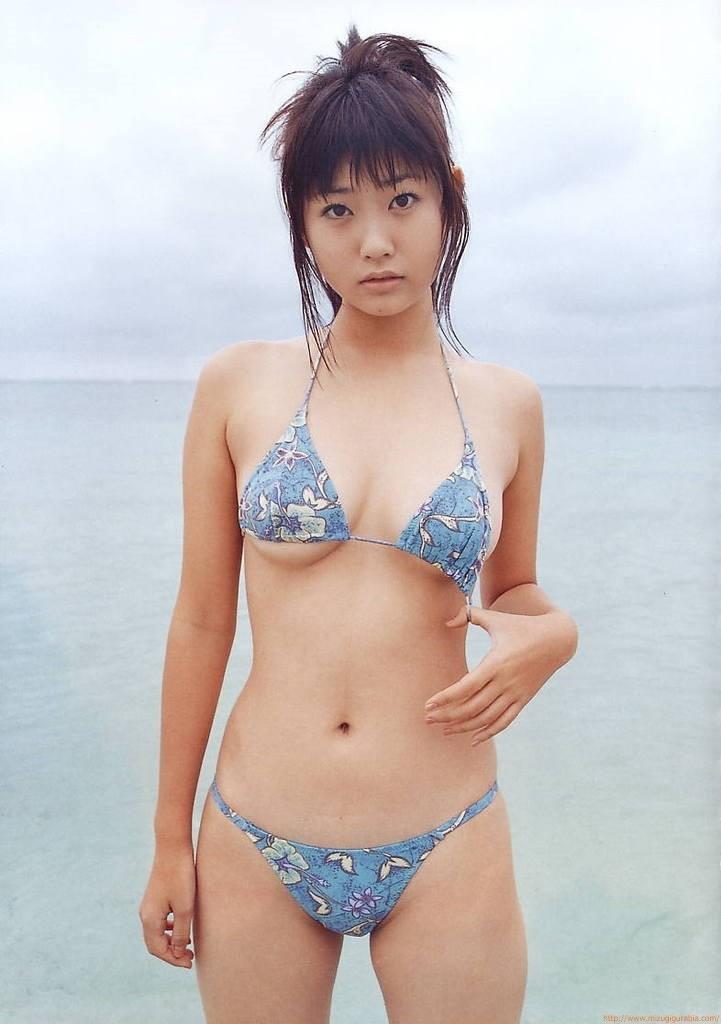 【吉田亜咲グラビア画像】現役女子高生としてデビューした長身エロボディのグラビアアイドル 73