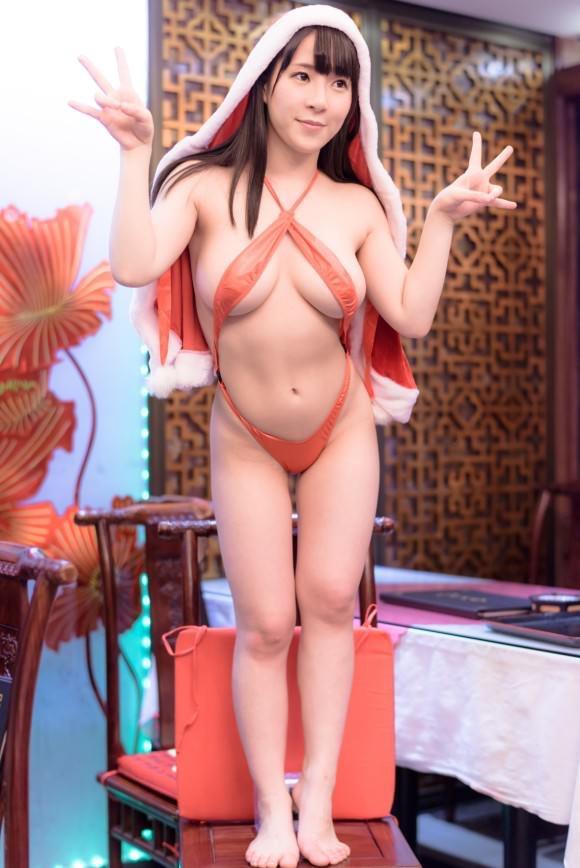 【雨宮留菜エロ画像】チンコにクリーンヒットするむっちりIカップ爆乳ボディのコスプレ娘 12