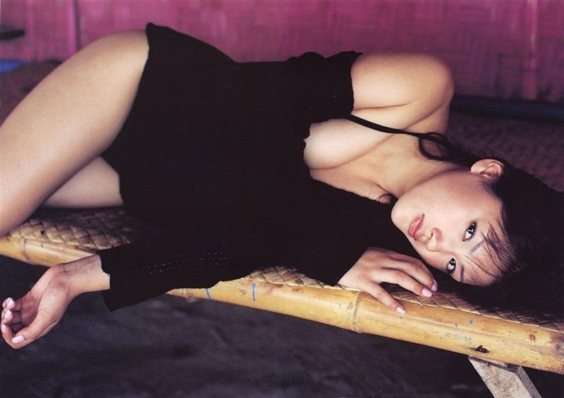 【綾瀬はるかエロ画像】今、女優として乗りに乗っている美熟女が披露したセクシーショット! 14