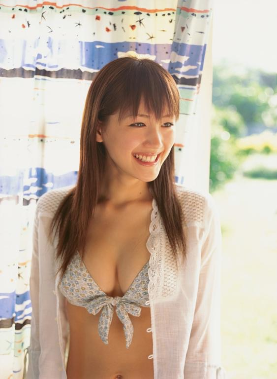 【綾瀬はるかエロ画像】今、女優として乗りに乗っている美熟女が披露したセクシーショット! 38
