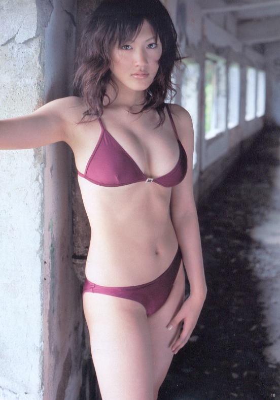 【綾瀬はるかエロ画像】今、女優として乗りに乗っている美熟女が披露したセクシーショット! 39