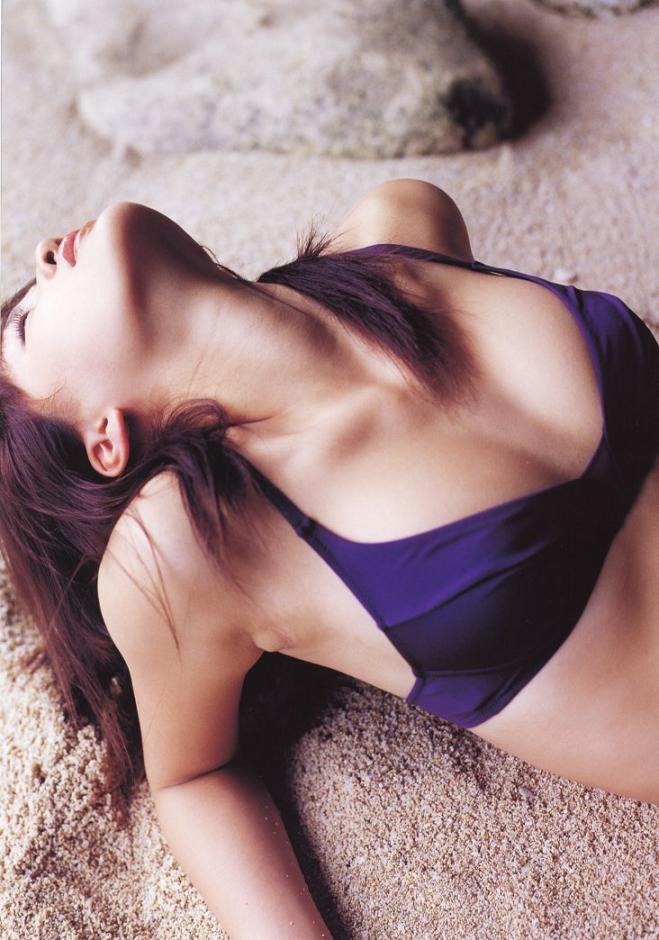 【綾瀬はるかエロ画像】今、女優として乗りに乗っている美熟女が披露したセクシーショット! 67