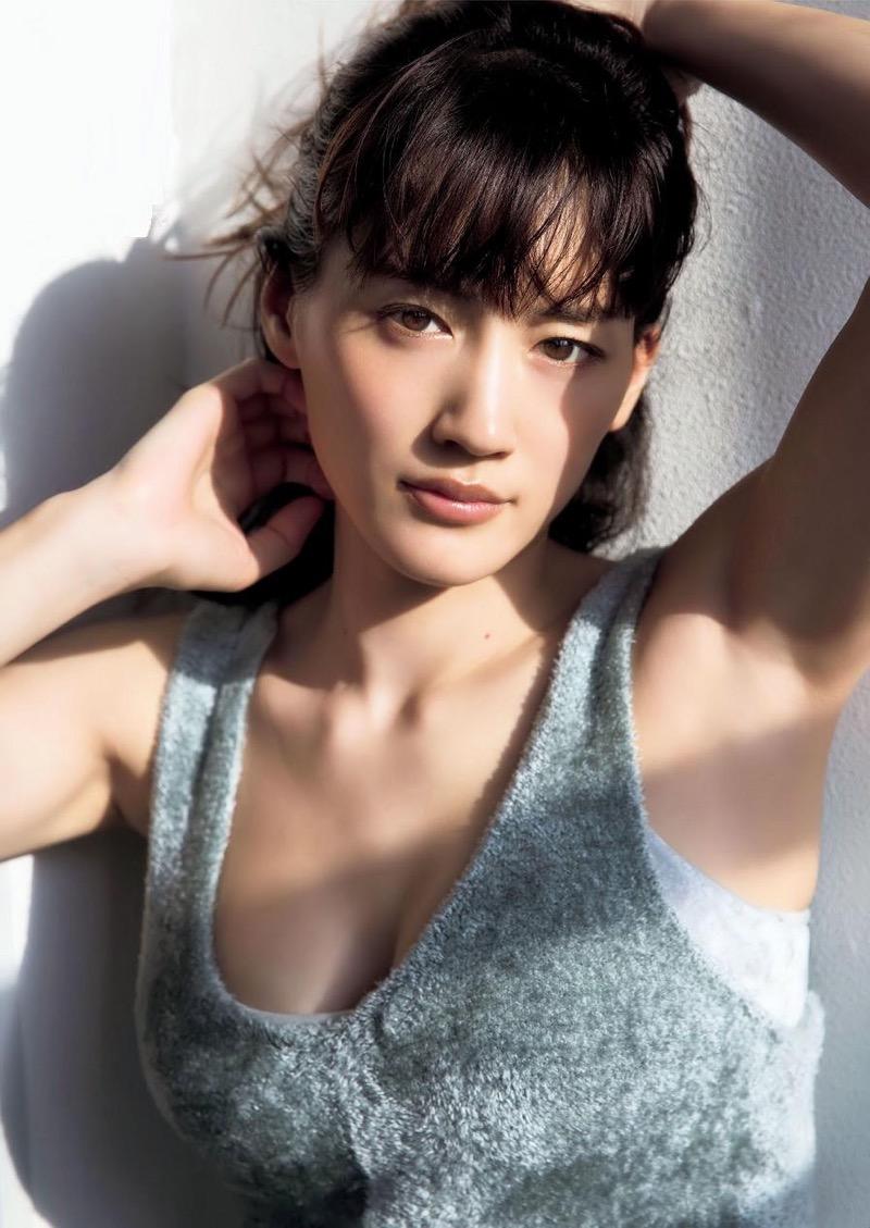 【綾瀬はるかエロ画像】今、女優として乗りに乗っている美熟女が披露したセクシーショット! 79