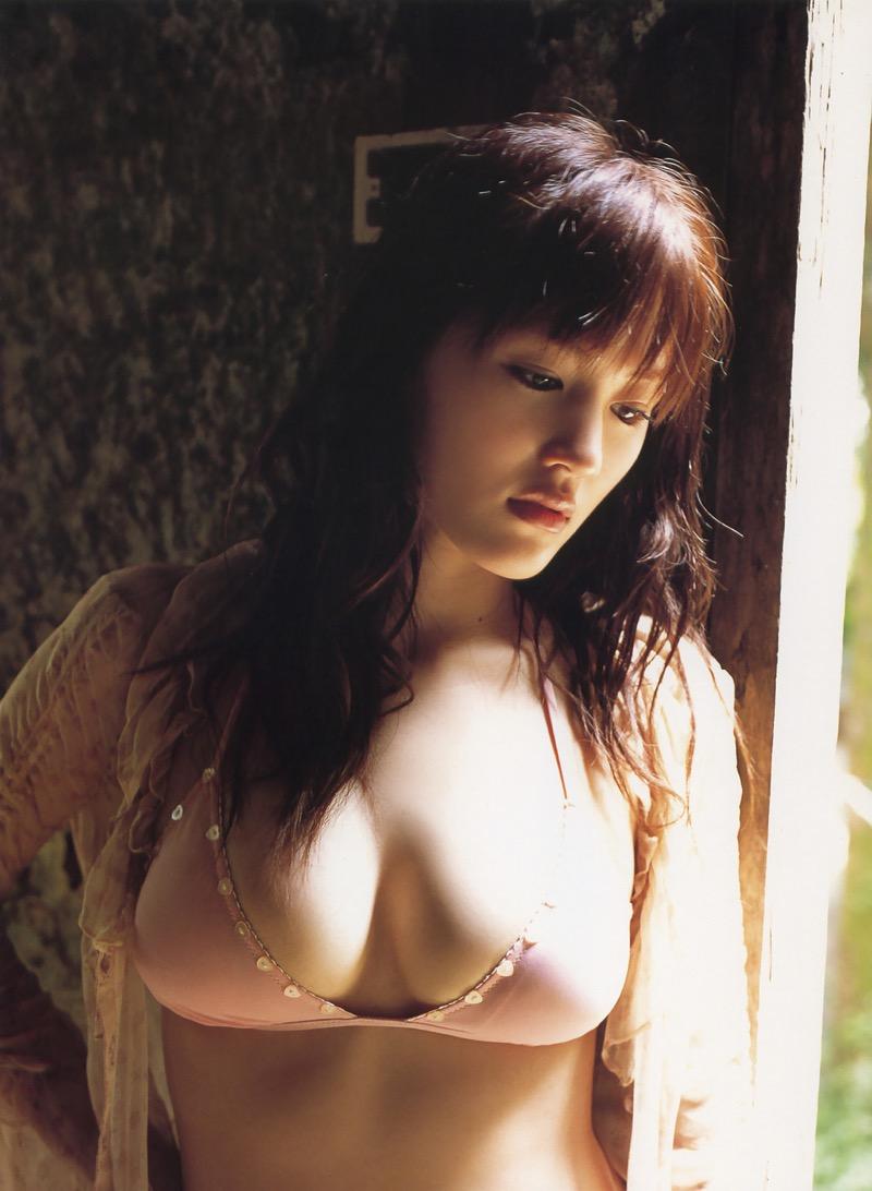 【綾瀬はるかエロ画像】今、女優として乗りに乗っている美熟女が披露したセクシーショット! 80