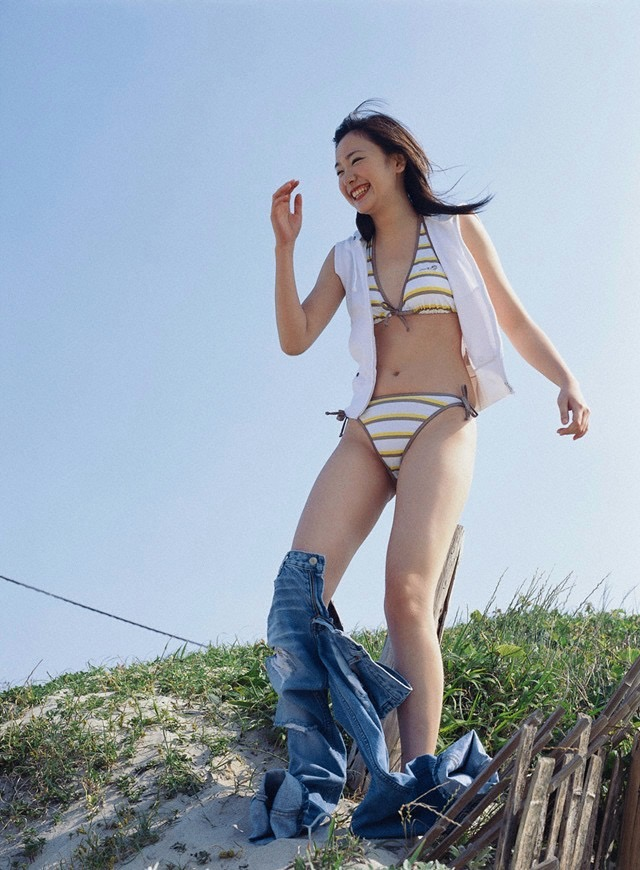 【新垣結衣お宝画像】姉の勧めで受けたオーディションに出てグランプリを獲ってしまった美少女モデル! 34