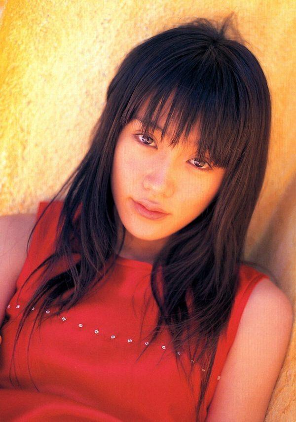 【山口紗弥加エロ画像】数多くのドラマに出演してきたベテラン女優の初々しい水着写真 51