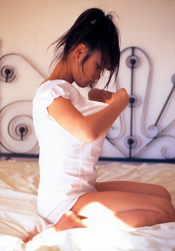 【山口紗弥加エロ画像】数多くのドラマに出演してきたベテラン女優の初々しい水着写真 57