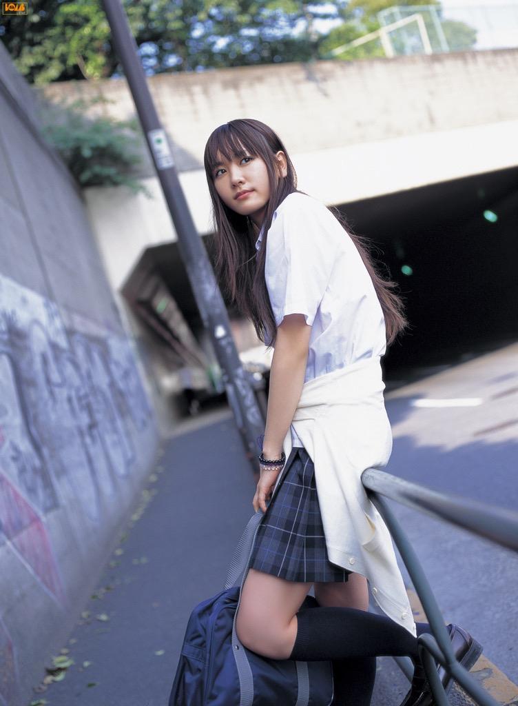 【山口紗弥加エロ画像】数多くのドラマに出演してきたベテラン女優の初々しい水着写真 67