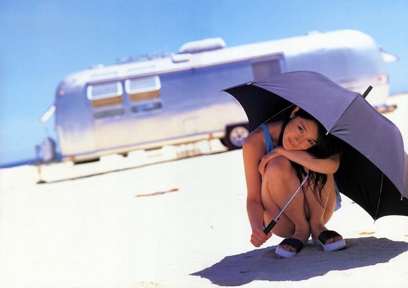 【山口紗弥加エロ画像】数多くのドラマに出演してきたベテラン女優の初々しい水着写真 78