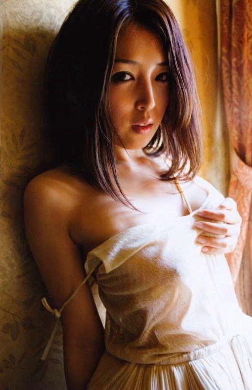 【手束真知子ヌード画像】元アイドルで現役アラサーグラドルの色気たっぷりヌード画像 10
