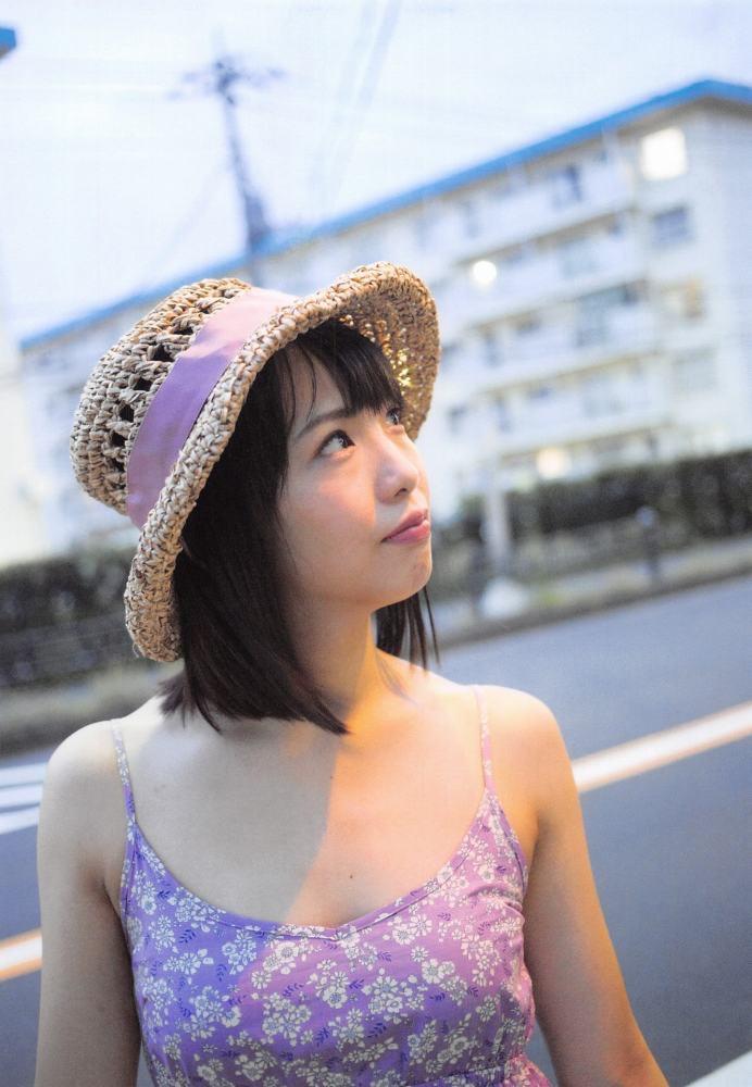 【松村香織エロ画像】令和に変わると共に新たな旅立ちをした元SKE48アイドルのセミヌード 06