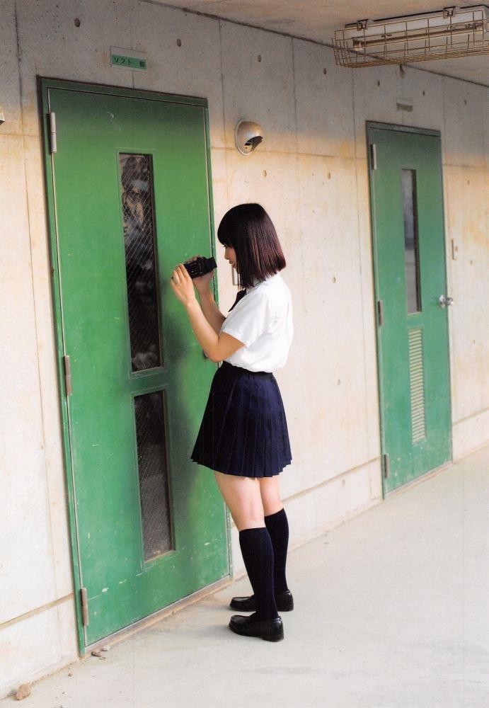 【松村香織エロ画像】令和に変わると共に新たな旅立ちをした元SKE48アイドルのセミヌード 12