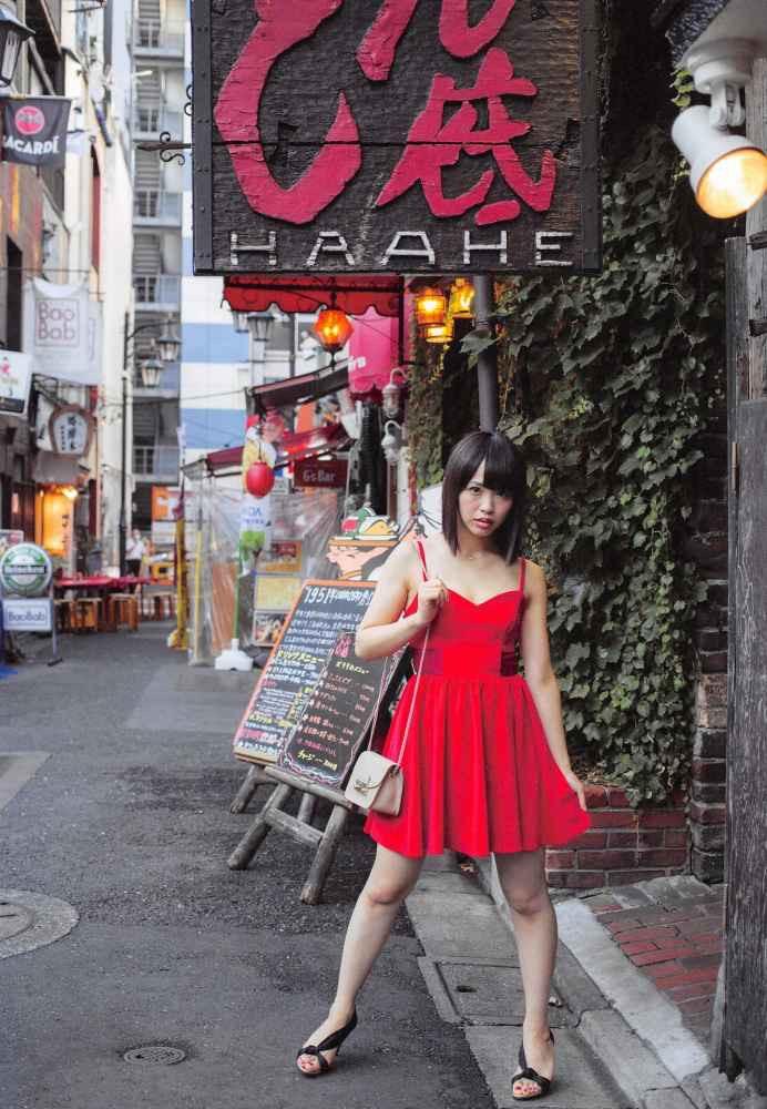 【松村香織エロ画像】令和に変わると共に新たな旅立ちをした元SKE48アイドルのセミヌード 30