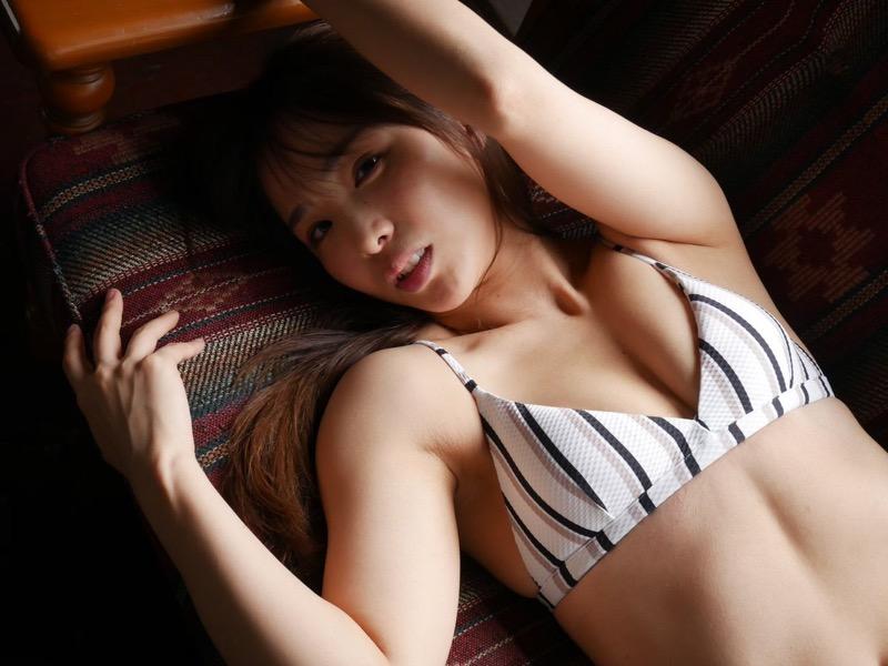 【松村香織エロ画像】令和に変わると共に新たな旅立ちをした元SKE48アイドルのセミヌード 76