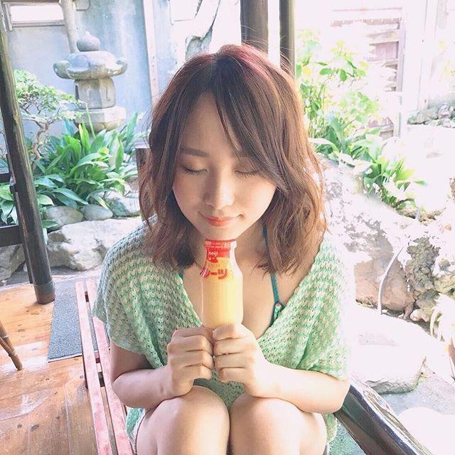 【高橋朱里エロ画像】日本のアイドルから韓国のアイドルへと転身したアイドルのグラビア 80