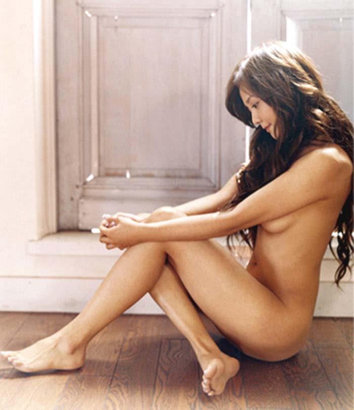 【華原朋美エロ画像】突如、妊娠6ヶ月を発表して世間を騒がせた元グラドルの小室ファミリー歌手 25