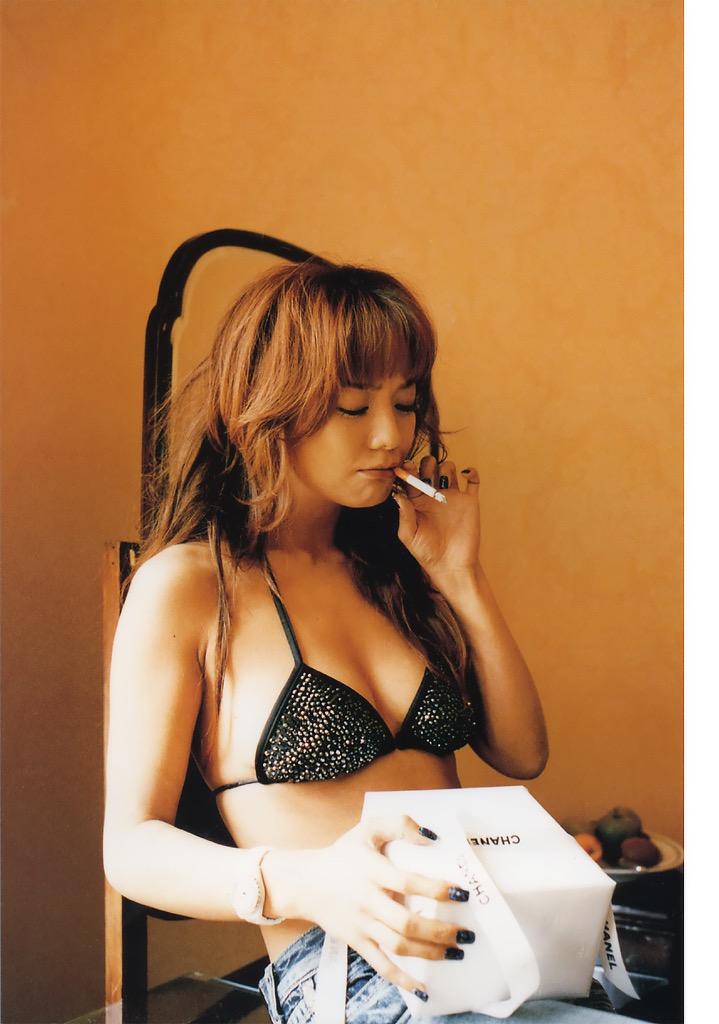 【華原朋美エロ画像】突如、妊娠6ヶ月を発表して世間を騒がせた元グラドルの小室ファミリー歌手 35