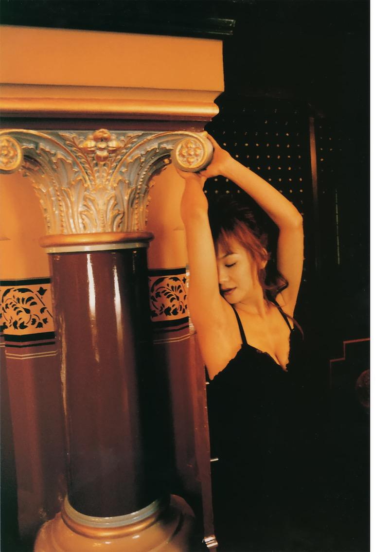 【華原朋美エロ画像】突如、妊娠6ヶ月を発表して世間を騒がせた元グラドルの小室ファミリー歌手 54