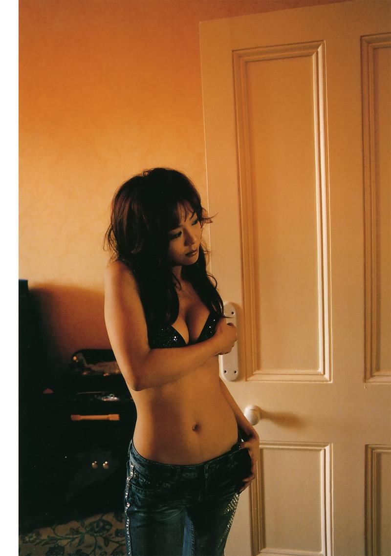 【華原朋美エロ画像】突如、妊娠6ヶ月を発表して世間を騒がせた元グラドルの小室ファミリー歌手 58