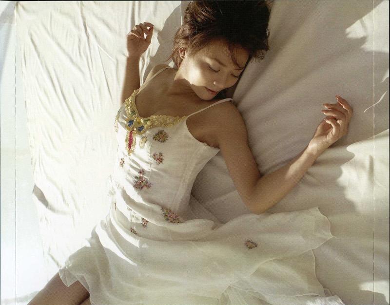 【華原朋美エロ画像】突如、妊娠6ヶ月を発表して世間を騒がせた元グラドルの小室ファミリー歌手 79