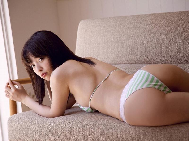 【安藤遥グラビア画像】女子高生レースクイーンとしてデビューしたスレンダーボディのエロ娘! 05