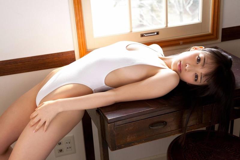 【安藤遥グラビア画像】女子高生レースクイーンとしてデビューしたスレンダーボディのエロ娘! 15