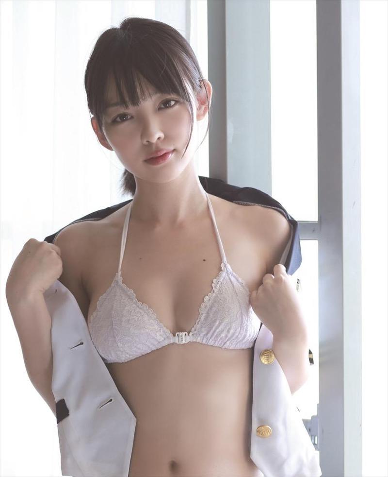 【安藤遥グラビア画像】女子高生レースクイーンとしてデビューしたスレンダーボディのエロ娘! 23