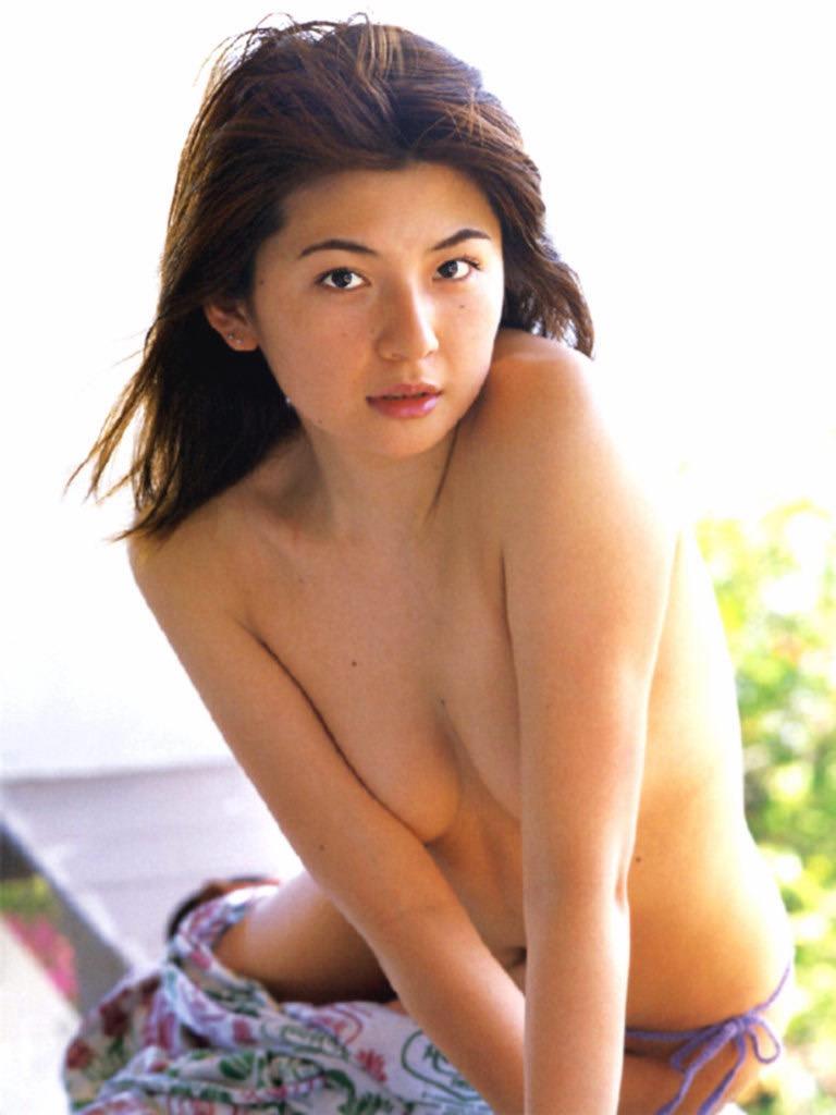 【松田純グラビア画像】セクシーな目線が魅力的なグラビアアイドルのノーブラ乳寄せ写真 80