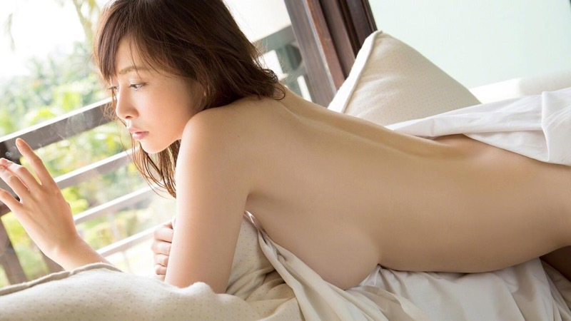 【杉原杏璃エロ画像】アラフォーが近付いてもまだまだ若くて綺麗な巨乳美人タレントのメイク術 65