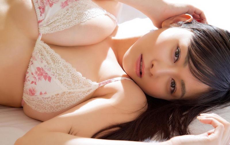 【杉原杏璃エロ画像】アラフォーが近付いてもまだまだ若くて綺麗な巨乳美人タレントのメイク術 68