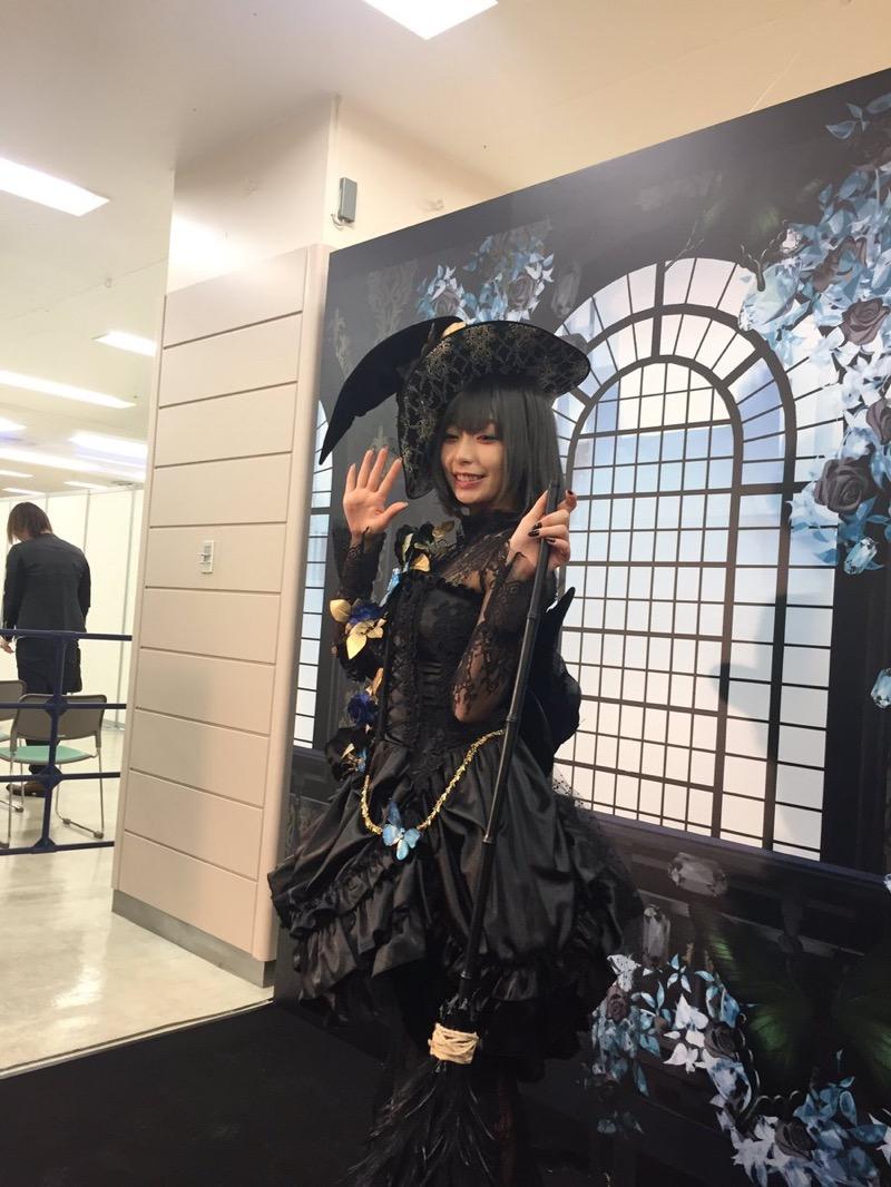 【宇垣美里コスプレ画像】元TBS女子アナウンサーの魔女コスプレとメイクが美し過ぎる! 19