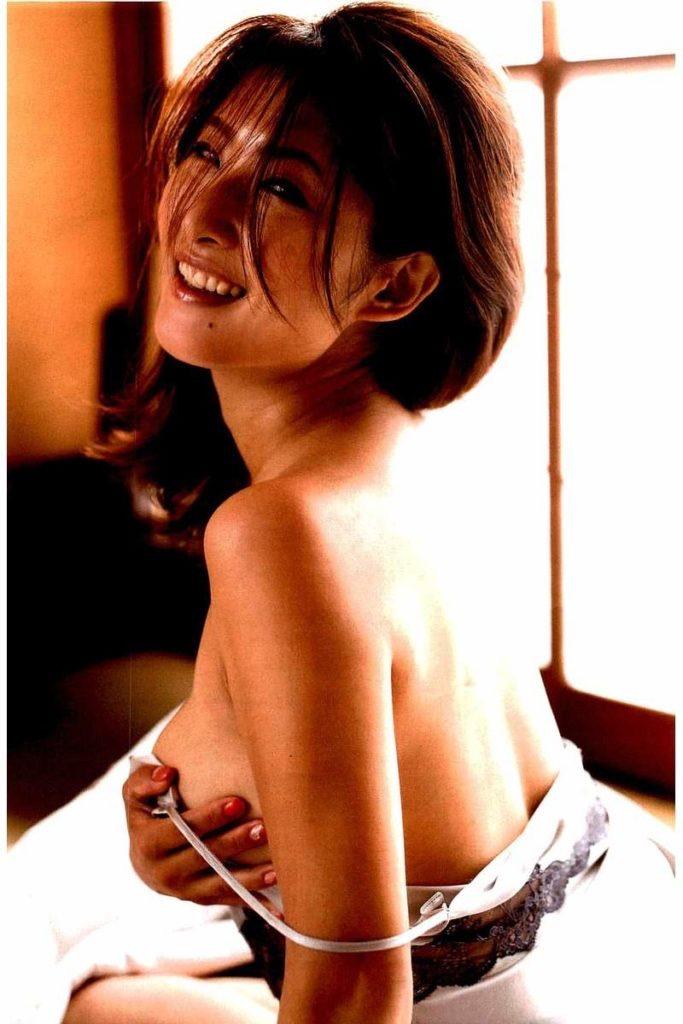 【古瀬絵理エロ画像】自慢のスイカップを存分に活かしてテレビで見せまくる爆乳女子アナウンサー 42