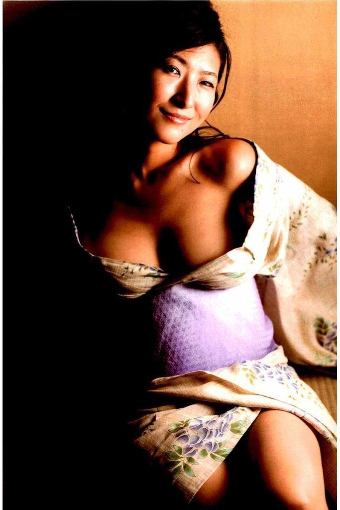 【古瀬絵理エロ画像】自慢のスイカップを存分に活かしてテレビで見せまくる爆乳女子アナウンサー 43