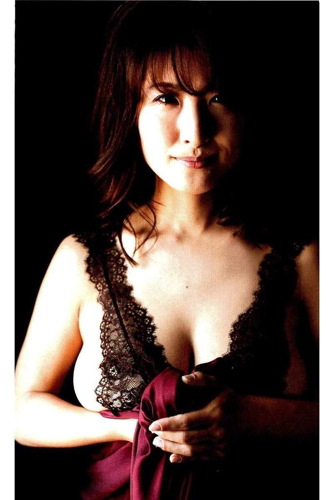 【古瀬絵理エロ画像】自慢のスイカップを存分に活かしてテレビで見せまくる爆乳女子アナウンサー 51