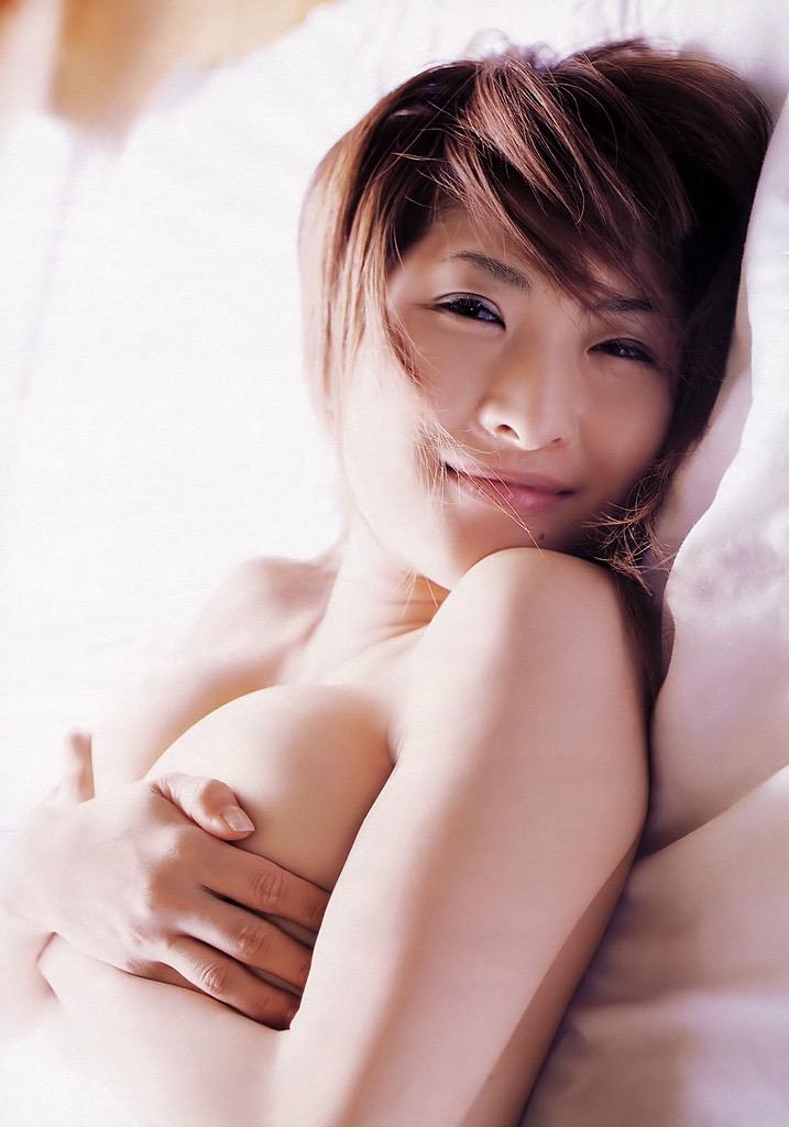 【古瀬絵理エロ画像】自慢のスイカップを存分に活かしてテレビで見せまくる爆乳女子アナウンサー 59
