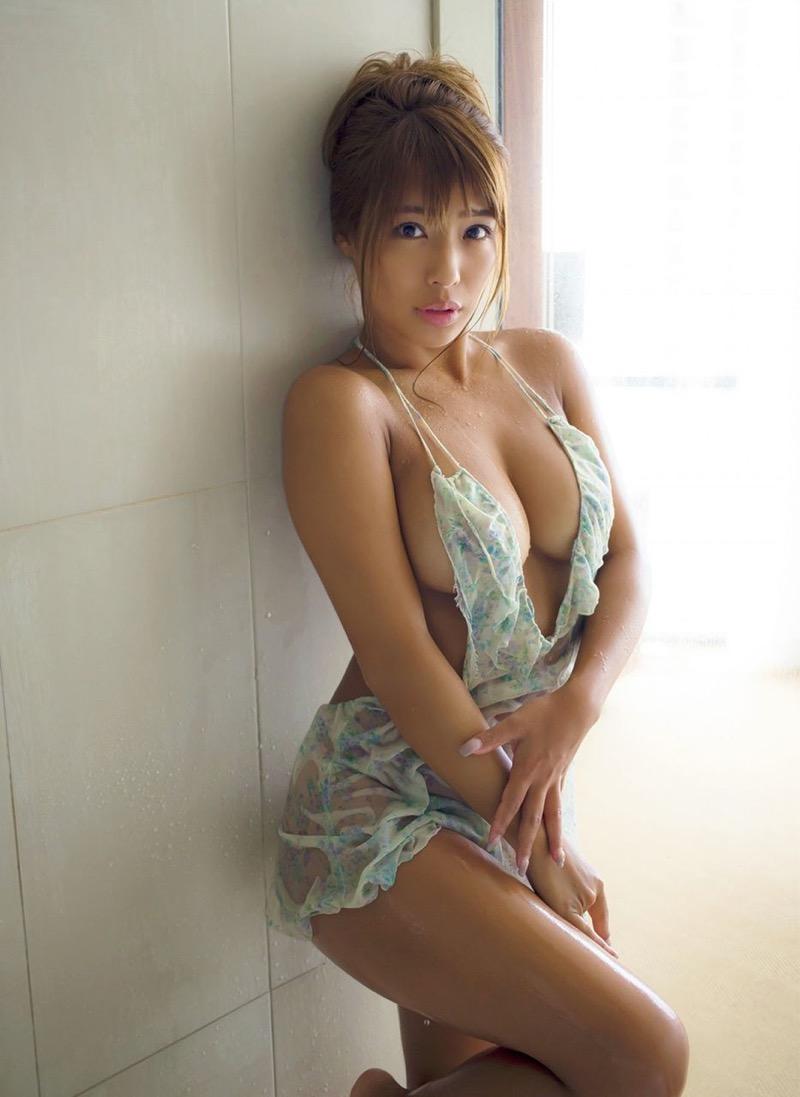 【橋本梨菜グラビア画像】娘のグラドル活動を心配したお母さんがバラエティで共演するとか!? 45