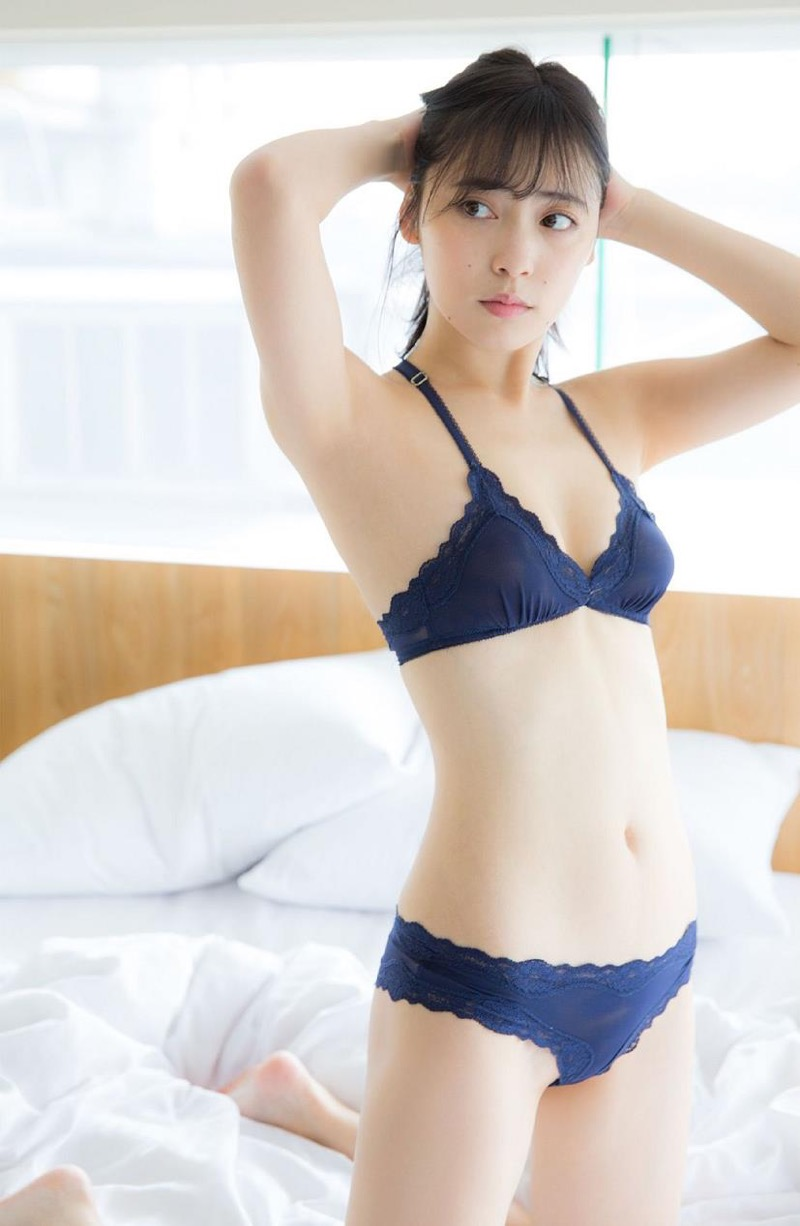 【池上紗理依グラビア画像】様々なデザインのビキニや下着を着こなすエロ可愛い美少女グラドル 49