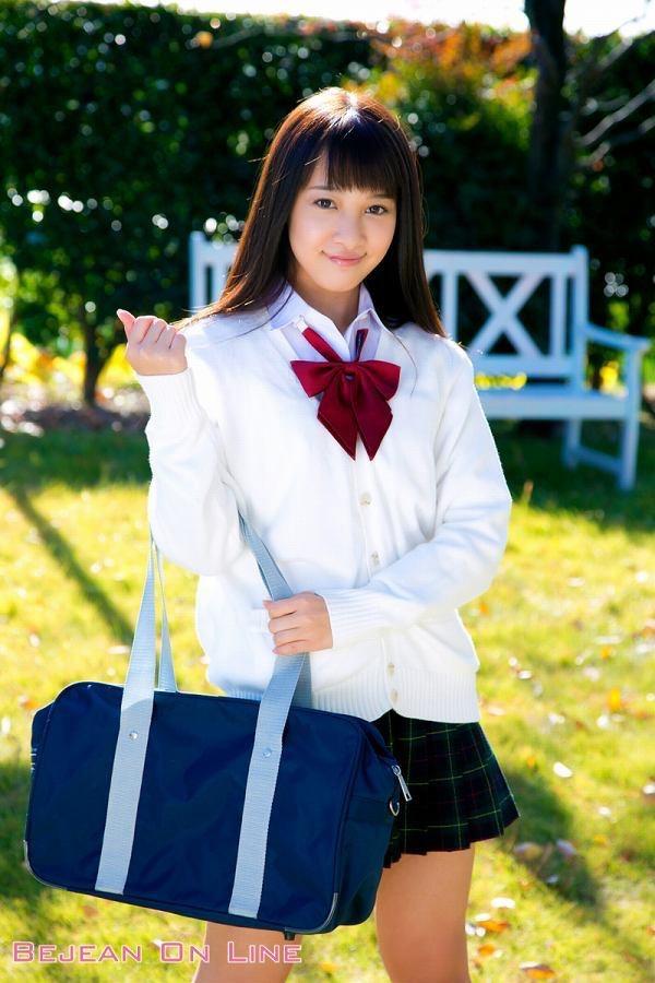 【池田ショコラグラビア画像】名前と身体がとっても美味しそうなスレンダー美少女のエロ画像 03