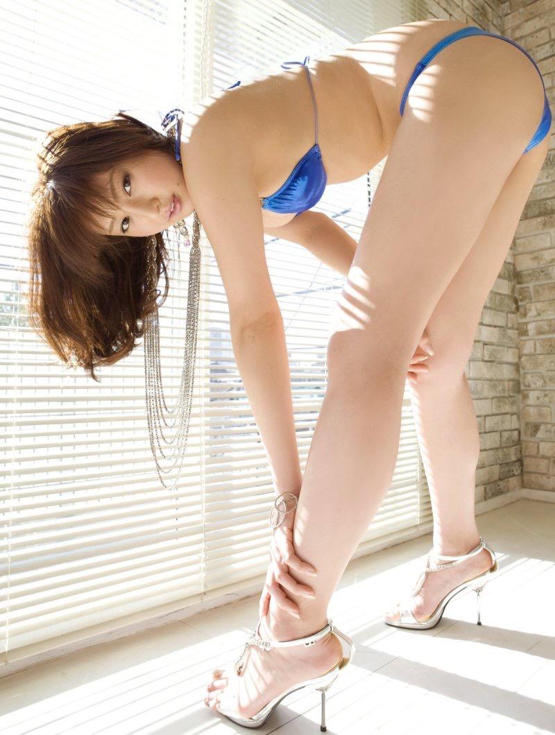 【池田夏希グラビア画像】綺麗な曲線を描くスタイル抜群なFカップ長身ボディがメチャシコ! 24