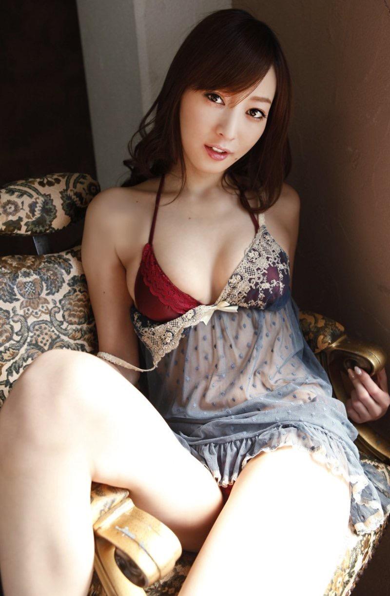 【池田夏希グラビア画像】綺麗な曲線を描くスタイル抜群なFカップ長身ボディがメチャシコ! 42