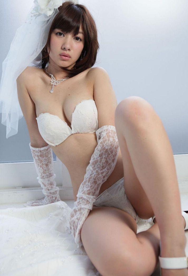 【石岡真衣エロ画像】グラビアアイドルに憧れてデビューしたFカップ巨乳娘のギリギリヌード! 26