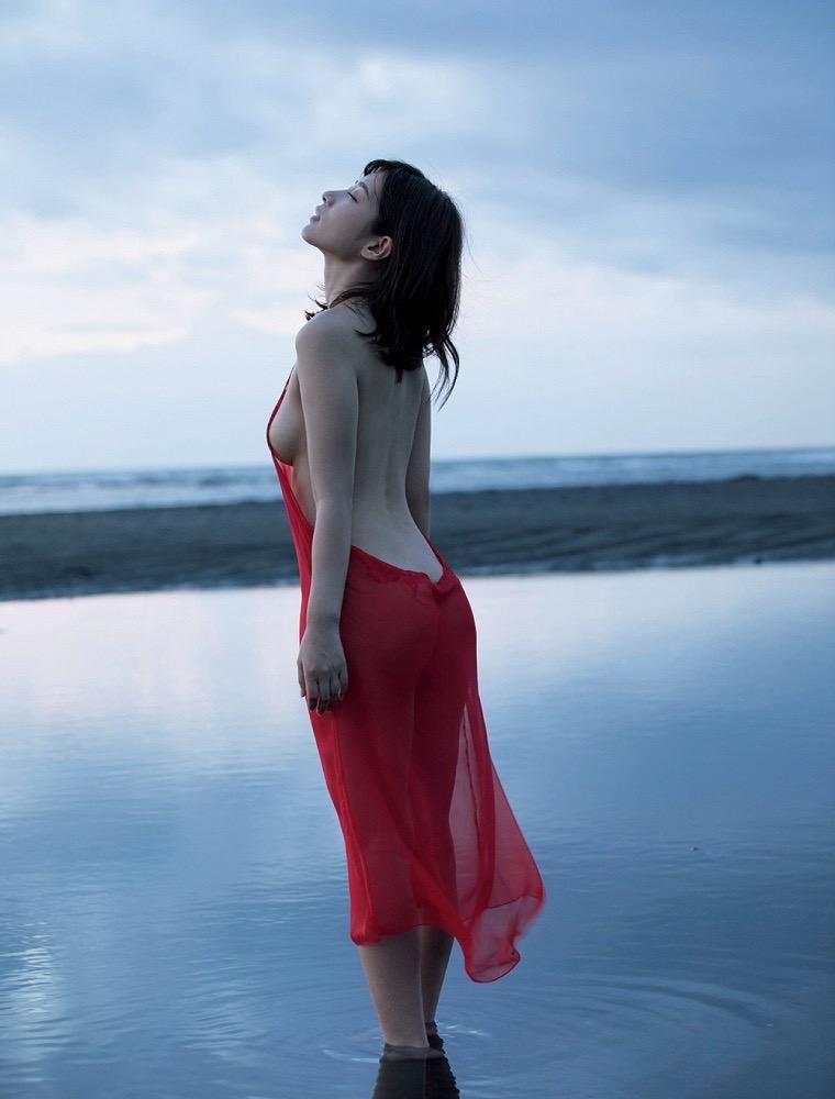 【石岡真衣エロ画像】グラビアアイドルに憧れてデビューしたFカップ巨乳娘のギリギリヌード! 30