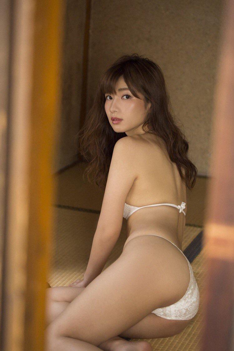 【石岡真衣エロ画像】グラビアアイドルに憧れてデビューしたFカップ巨乳娘のギリギリヌード! 33