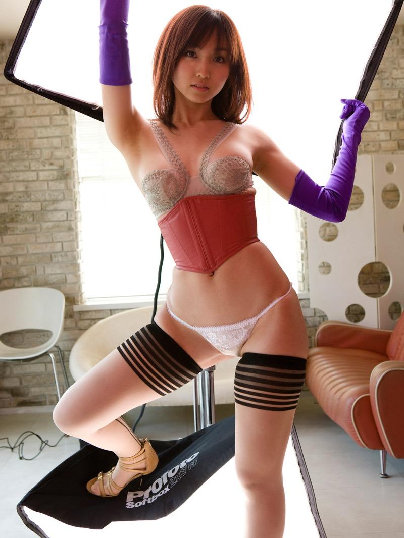 【グラドルストッキング画像】ストッキングが似合ってとってもセクシーなグラドル美女画像 19
