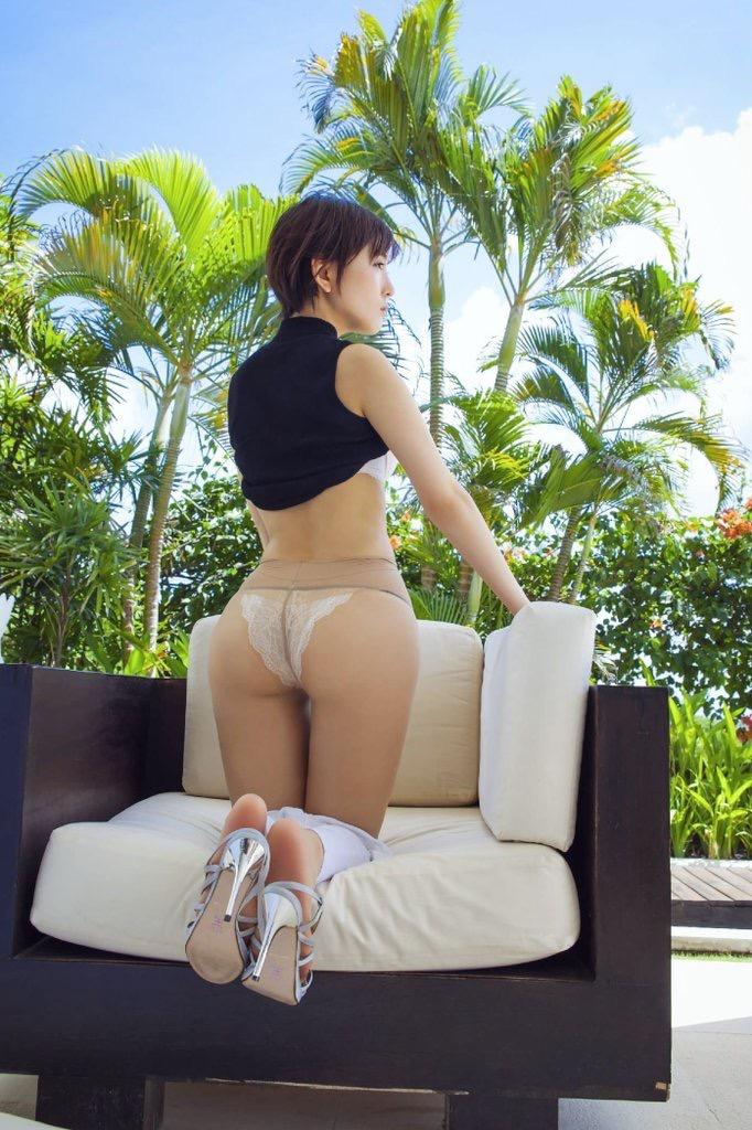 【グラドルストッキング画像】ストッキングが似合ってとってもセクシーなグラドル美女画像 34