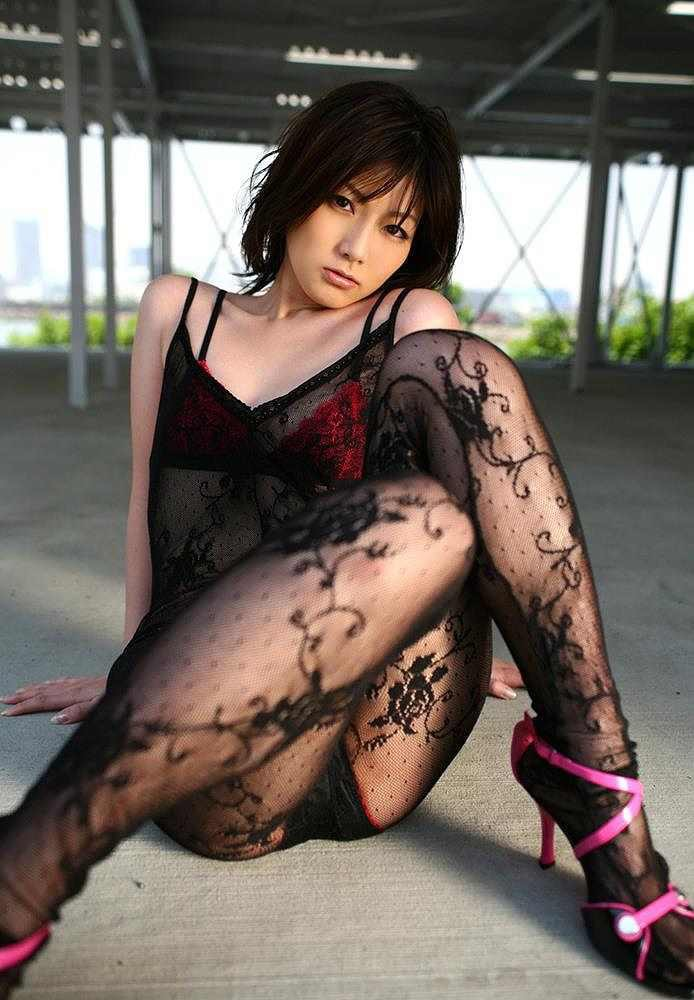 【グラドルストッキング画像】ストッキングが似合ってとってもセクシーなグラドル美女画像 52